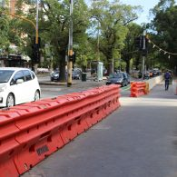 image of waterfilled road safety barrier