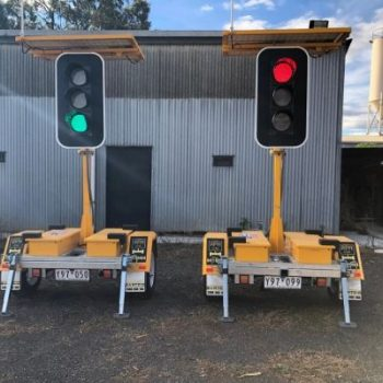 green and red portable traffic lights for traffic control